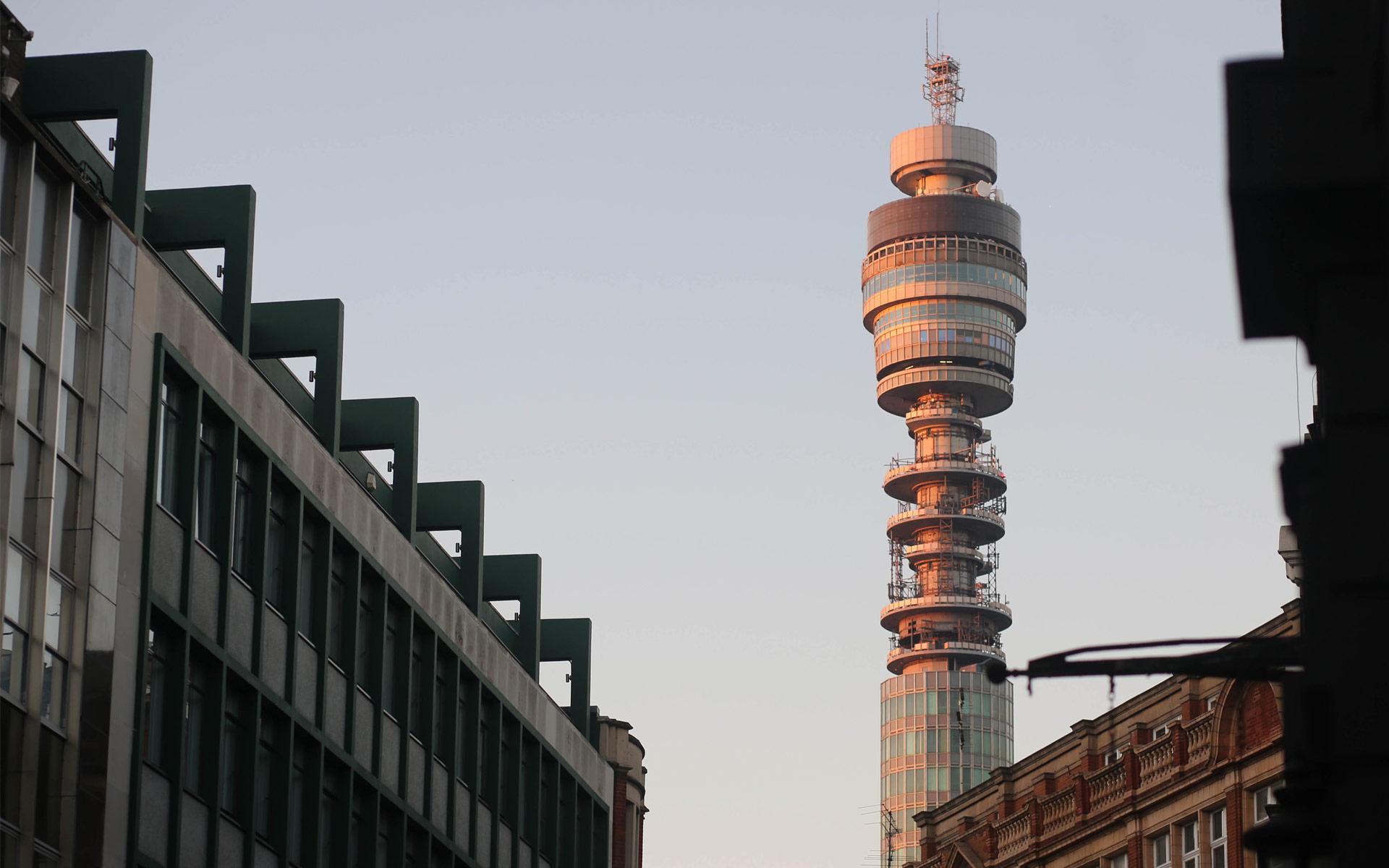 Standout-Telecommunications